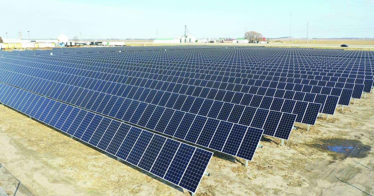 New solar array helps power AGCO's Illinois manufacturing facility - Agri News