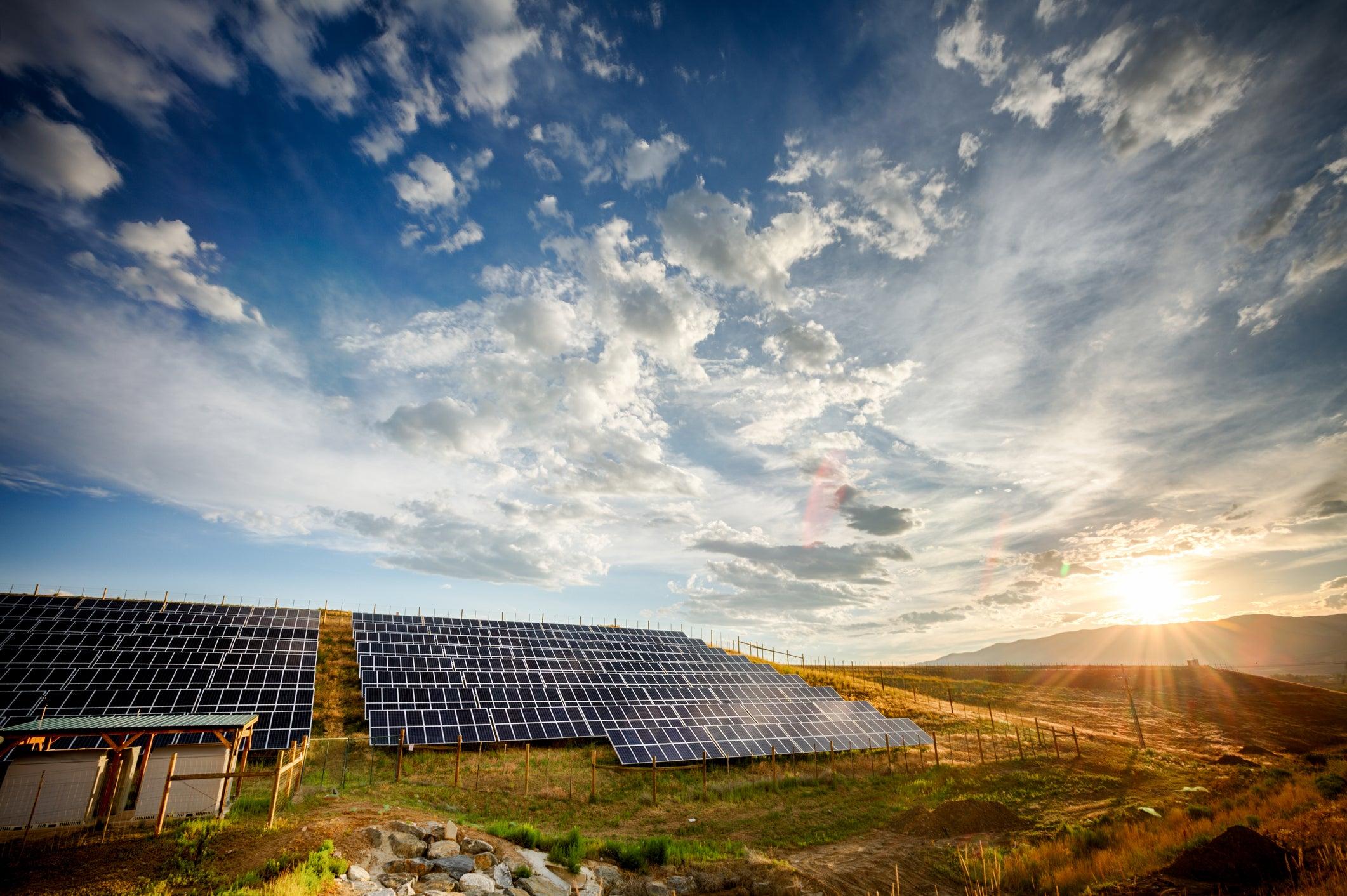 Why I Still Love That Scorching Hot Solar Power Stock - Motley Fool