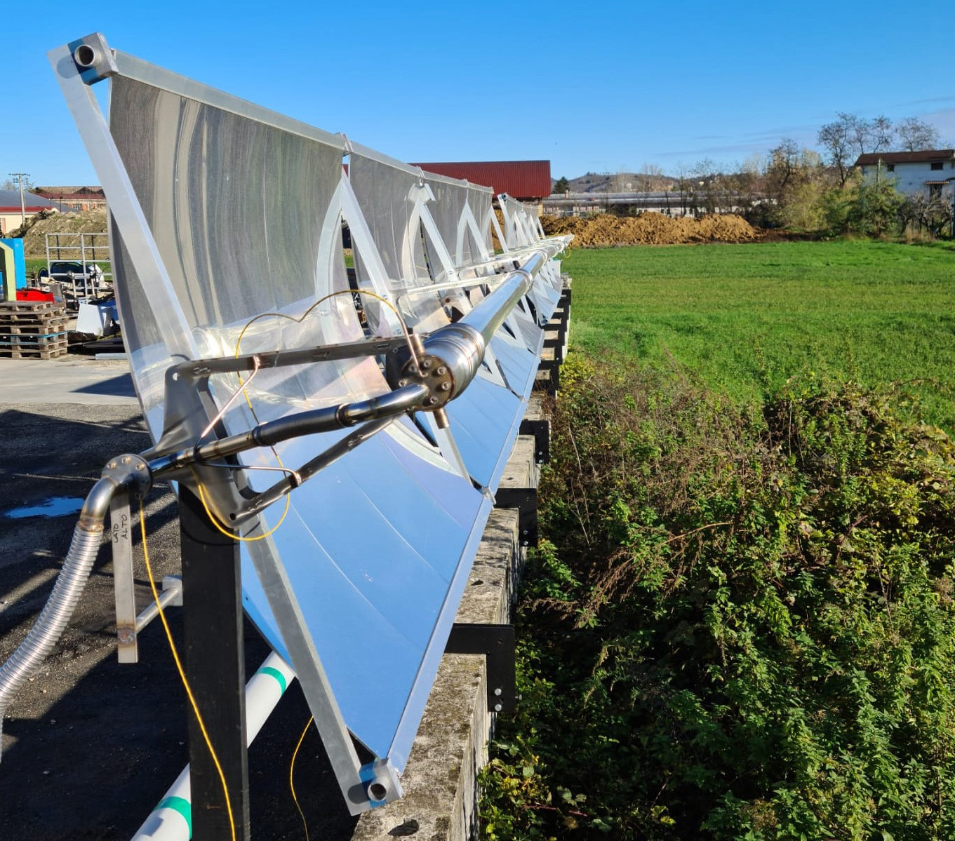Small solar power plant helps freshwater producers gain access to affordable electricity and heat - Innovation Origins