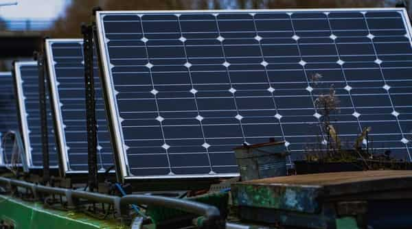 Cabinet okays £ 4.5k cr PLI Scheme to Promote Solar System Manufacturing - HT Tech