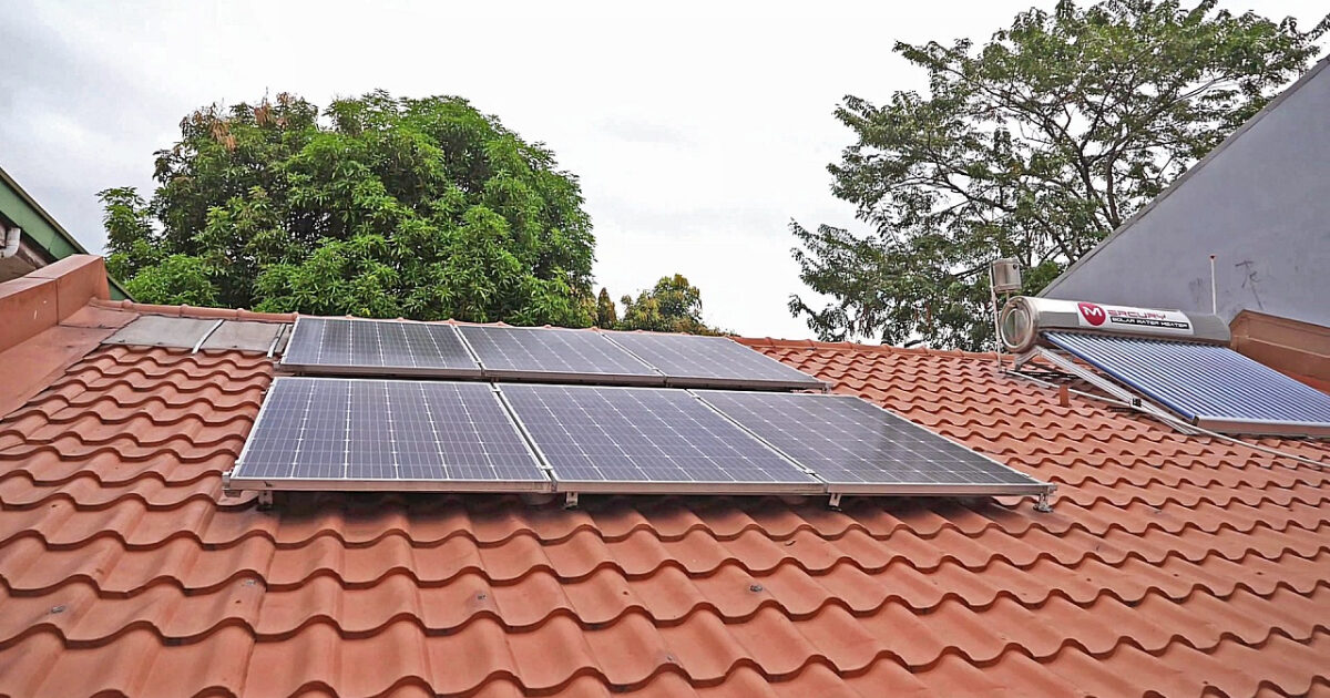 GOING SOLAR: HOW TO BECOME ENERGY EFFICIENT